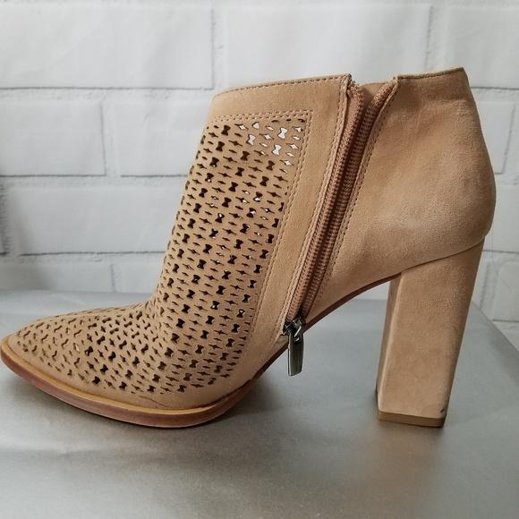 Vince Camuto Lorva Cutout Tan Leather